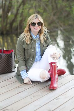 Red rain bots, Hunter rain boots, Louis Vuitton never full, white jeans, fall outfit ideas.