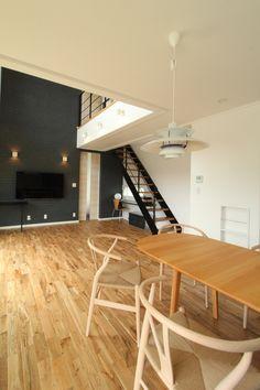 アクセントクロス Conference Room, Colors, Interior, Table, Furniture, Home Decor, Decoration Home, Indoor, Room Decor