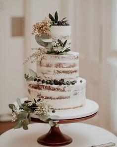 wedding cakes nakedcake LOCAL INSPIRATION fayecahillcakedesign Just lovely! I love the earthiness. Wedding Goals, Fall Wedding, Our Wedding, Wedding Planning, Dream Wedding, Wedding Ideas, Wedding Quotes, Chic Wedding, Dessert Design
