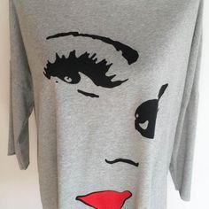 Camiseta  Gris Cara Chica Puedes encontrarlo en www.guapesifines.com