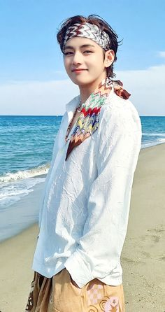 Kim Taehyung Cute, V Taehyung, Foto Bts, Bts Wallpapers, Taehyung Photoshoot, Kpop, Bts Korea, Inner Child, Bts Pictures
