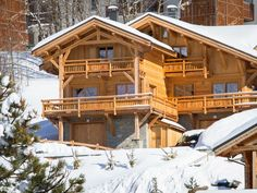 Looking to spend some time in the French alps? There are a variety of places to stay in Les Deux-Alpes, from cozy to luxurious, and as a skiing hot spot, there are chalets galore.