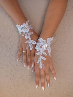Free shipping Wedding Gloves lace gloves Fingerless by geranum, $25.00