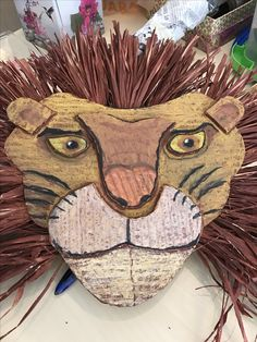 This is awesome for an Art project. Would tie nicely into pathways reading book and grade. David Livingston book and Caught By a Tiger. Deco Jungle, Afrique Art, 7th Grade Art, Ecole Art, Cardboard Art, School Art Projects, Art Lessons Elementary, Middle School Art, Art Lesson Plans