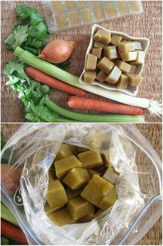 Congeler le bouillon de légumes dans le bac à glaçons puis le conserver dans un sac de congélation. 12 Astuces super pratiques à faire avec un sac congélation