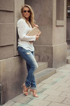Distressed jeans 4 casual Fri.