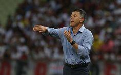 Religioso, inquieto e sereno nos gols, Osorio vence pressão no Castelão #globoesporte