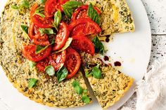 Rice and mascarpone tart with tomato and basil salad