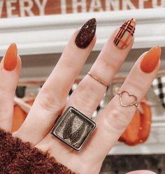 Fall Nail Polish, Autumn Nails, Fall Nail Art, Nail Colors For Pale Skin, Fall Nail Colors, Plaid Nails, Short Square Nails, Girly Things, Girly Stuff