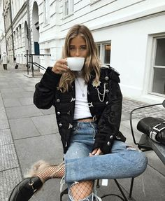 Street Style : Find More at => feedproxy.google.