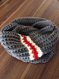 Infinite low type of wool scarf by CalmeToiLePompon on Etsy Knitting Kits, Easy Knitting, Loom Knitting, Knitting Socks, Crochet Scarves, Crochet Shawl, Knit Crochet, Sock Monkey Pattern, Crochet Sock Monkeys