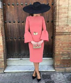 Color y mangas Casual Dresses, Short Dresses, Fashion Dresses, Wedding Guest Style, Royal Clothing, Formal Looks, Looks Style, Chic Outfits, Evening Dresses