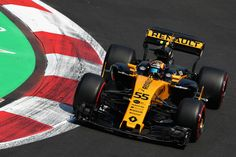 Carlos Sainz Photos - Carlos Sainz of Spain driving the (55) Renault Sport Formula One Team Renault RS17 on track during practice for the Formula One Grand Prix of Mexico at Autodromo Hermanos Rodriguez on October 27, 2017 in Mexico City, Mexico. - Carlos Sainz Photos - 13 of 5685