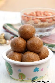 sesame ladoo - super easy Indian dessert. It's made from white sesame seeds, roasted peanuts and jaggery (jaggery is unrefined, non-centrigugal, whole cane sugar)