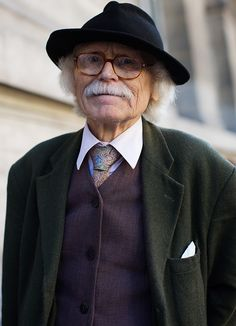 "via The Sartorialist: On the Street…… Rue Mignon, Paris. He may not be famous, but he is so cool that I felt he was a good addition to ""Famous gentlemen!"""