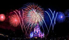 Фейерверк Walt Disney World  Magic Kingdom Dream Show Orlando