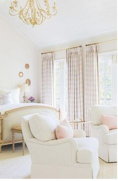 Incredible Off white French bedroom. Gold and off-white French Bedroom. The post Off white French bedroom. Gold and off-white French Bedroom. appeared first on Home Decor . Luxury Interior Design, Home Interior, Interior Paint, Beautiful Bedrooms, Beautiful Interiors, House Beautiful, French Interiors, White Interiors, Beautiful Things