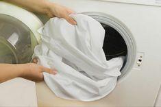 Çamaşırlarınızın Daha Beyaz Olması İçin 6 İpucu Çamaşırlarınızın Daha Beyaz Olması İçin 6 İpucu Beyaz kıyafetler birkaç yıkamadan sonra beyazlığını kaybetmekte ve krem rengi bir g�...