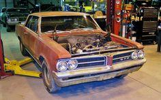 Tri-Power Goat: 1964 Pontiac GTO - http://barnfinds.com/tri-power-goat-1964-pontiac-gto/