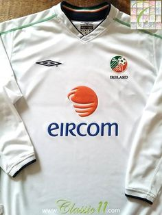 Relive Republic of Ireland's 2002/2003 international season with this original away long sleeve football shirt.