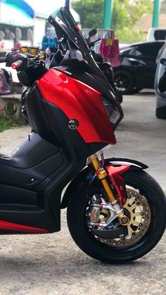 Yamaha Nmax, Yamaha Scooter, Scooter Motorcycle, Yamaha Motorcycles, Moto Bike, Scooter Custom, Custom Bikes, Scooter Design, Bmw Motorcycles