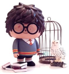 'Little Wizard Ren' Daniel Fleres edition of 1 is available to buy at http://danielfleres.bigcartel.com. Harry Potter custom from Bubi Au Yeung's Ren figure produced by Crazy Label.