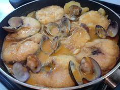 #Merluza con salsa Romesco. Ver #receta de #Navidad: http://www.mis-recetas.org/recetas/show/77071-merluza-con-salsa-romesco