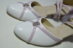 Model Karen pravá kůže bílá + jemná fialová...slož si i ty boty na míru  podle svého vkusu 907d3f514c