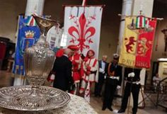 Settembre dantesco, l'offerta dell'olio donato dal Comune di Firenze alla tomba del Poeta, Ravenna, Italy