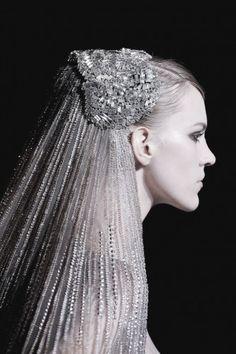Véu de noiva prateado - Elie Saab 2014 #casarcomgosto