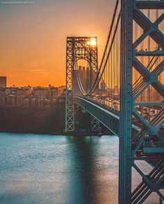 George Washington Bridge NYC over the Hudson river Photo New York, Places To Travel, Places To Go, Famous Bridges, Washington Heights, City That Never Sleeps, George Washington Bridge, Concrete Jungle, In The Heights