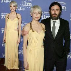 The #ManchesterByTheSea stars #CaseyAffleck and #MichelleWilliams (in #LouisVuitton) were at the Santa Barbara International Film Festival last night! The duo was honored at the fest!! • • • • • As estrelas do filme, 'Manchester À Beira-Mar', #CaseyAffleck e #MichelleWilliams (de #LouisVuitton) estiveram no Festival Internacional de Cinema de Santa Barbara na noite passada! A dupla foi homenageada no festival!!
