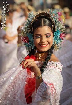 Panamá 🇵🇦 Culture, Crown, Jewelry, Dresses, Fashion, Vestidos, Moda, Corona, Jewlery