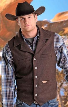 Powder River Men's Montana Button Down Wool Vest - 2 Colors Cowboy Outfits, Vest Outfits, Western Outfits, Cowboy Vest, Cowboy Chic, Mens Western Vest, Western Wear, Brown Groomsmen, Prom For Guys