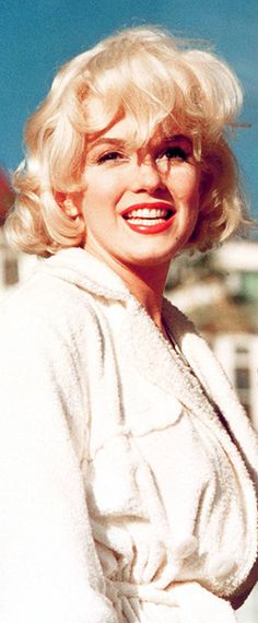 Marilyn Monroe on set during 'Some Like It Hot' 1959.