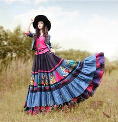 Gypsy Style, Bohemian Style, Colorful Fashion, Love Fashion, Boho Outfits, Fashion Outfits, Mode Hippie, Denim Shirt Style, Modesty Fashion