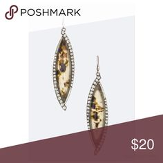 🆕 The Linda-Crystal Leaf Earrings Crystal and Resin Leaf Earring Fun and Filrty Made of crystal and resin Approximately 3.2 inches long Lead and Nickel Compliant.....No holds, trades, or pp. Thank you! faith and sparkle Jewelry Earrings