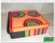 Pinceladas al aire: Cajas Pretty Box, Wooden Boxes, Home Art, Ideas Para, Cube, Hello Kitty, Mosaic, How To Make, Crafts