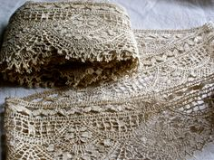 Antique lace ~ Cluny Bedfordshire ecru handwork.