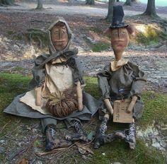 Primitive Thanksgiving Pilgrims Set by Rabbithollowprims on Etsy, $65.00