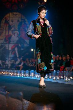 Ngoc Han performances a design of Ao Dai of Minh Hanh