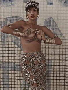 Exotic Songstress Editorials : Rihanna Harper's Bazaar China