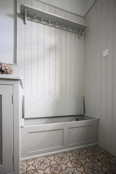 Wall Paneling Ideas Small Spaces 52 Ideas For 2019 Porch Storage, Hallway Storage, Laundry Room Storage, Bedroom Storage, Hall Storage Ideas, Organization Ideas, Garage Organization, Garage Storage, Sas Entree