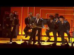 Bruno Mars, Sting, Rihanna, Ziggy, Damien Marley - Tribute to Bob Marley (Grammy's Damian Marley, Bob Marley, Live Music, My Music, Music Songs, Music Videos, Marley Family, Joy Of Life, Cover Songs