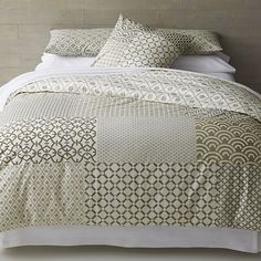 Good quilt idea...large blocks, little differentiation in pattern.