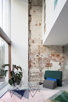 Shift maakt verwaarloosd pand tot matroesjkahuis - architectenweb.nl