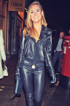 Kimberley Garner seen in Marylebone - Leather Celebrities Leather Pants Outfit, Black Leather Gloves, Leather Jacket, Fashion Pants, Fashion Outfits, Kimberley Garner, Biker Chic, Leather Fashion, Sexy