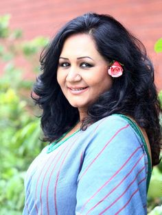 Fahmida Nabi is a well-known Bangladeshi female singer who won the heart of audience by singing classical and modern songs. Female Singers, Biography, Singing, Husband, Songs, Big, Heart, Modern, Fashion