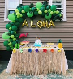 aloha party My birthday party decorated by me and my mom My Aloha Party, Hawaii Birthday Party, 18th Birthday Party Themes, Luau Theme Party, Hawaiian Luau Party, Hawaiian Birthday, Birthday Party Decorations, Hawaiin Theme Party, Moana Birthday Party Ideas