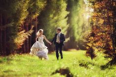 28 Enchanted Forest Engagement Photos For Fairy Tale Lovers!